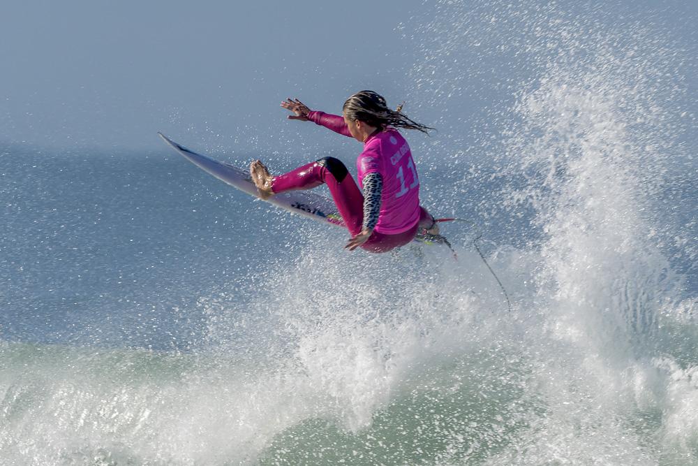 Surf feminin au Quiksilver Pro France