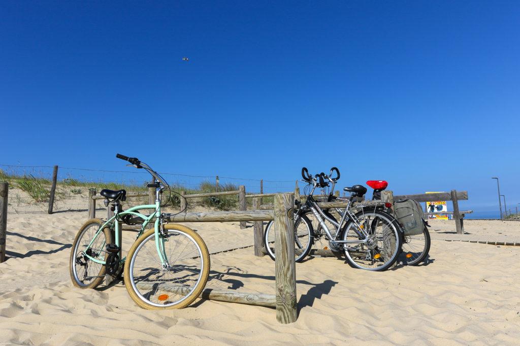 Vélos sur la plage de Moliets